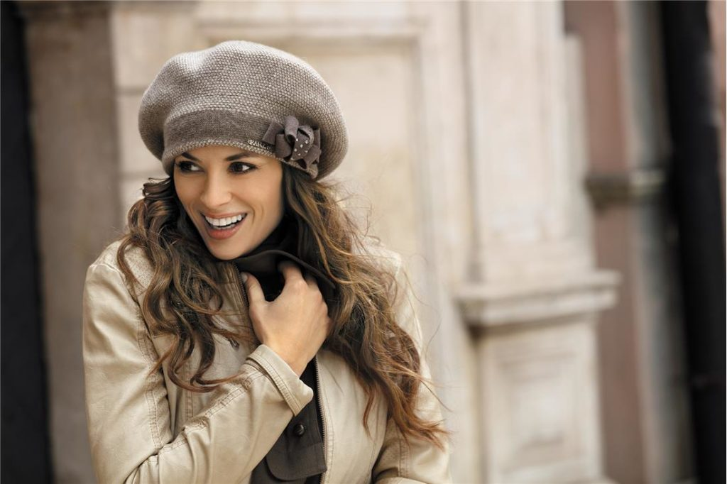 beret thick knitted hat