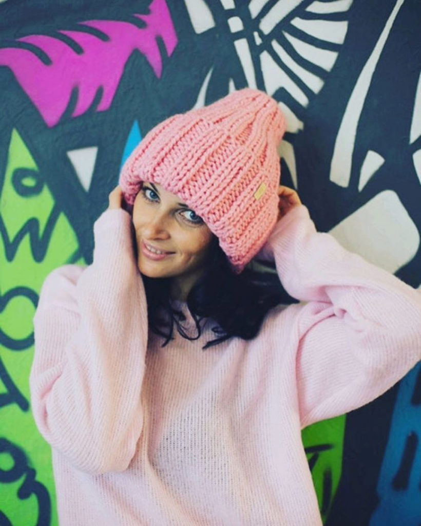 peach knitted hat