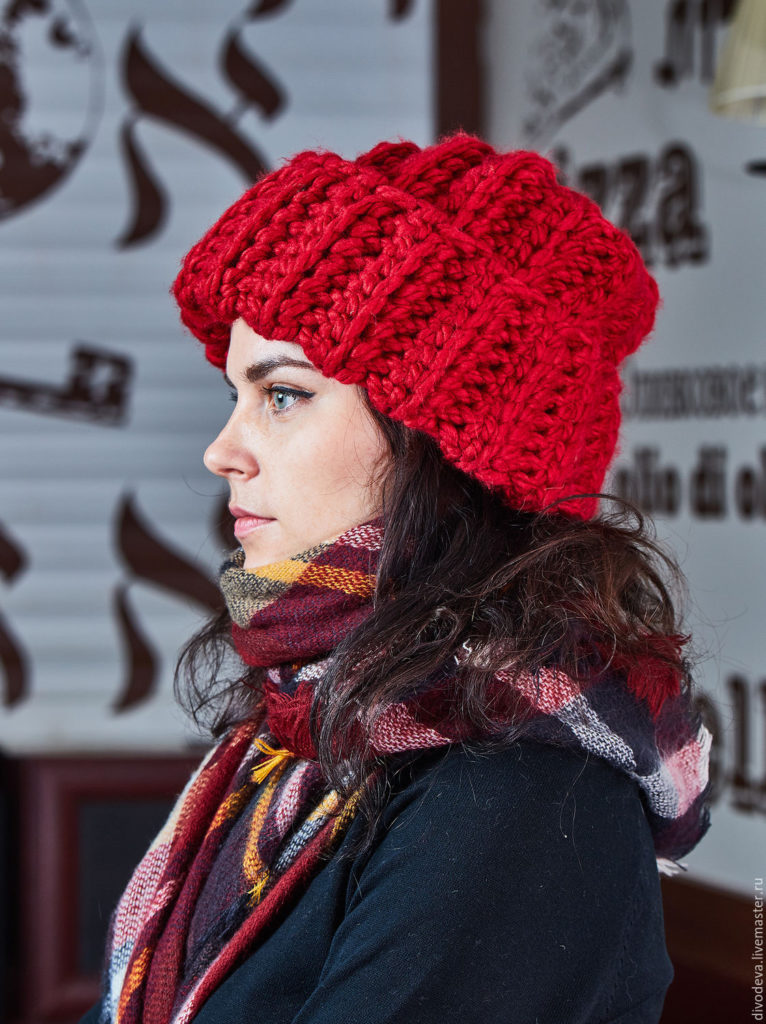 thick yarn colored hat