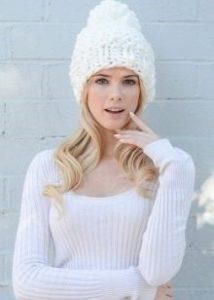 white thick yarn hat