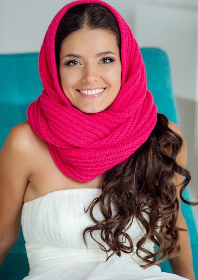 pink colored scarf cap