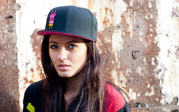rapper cap girl