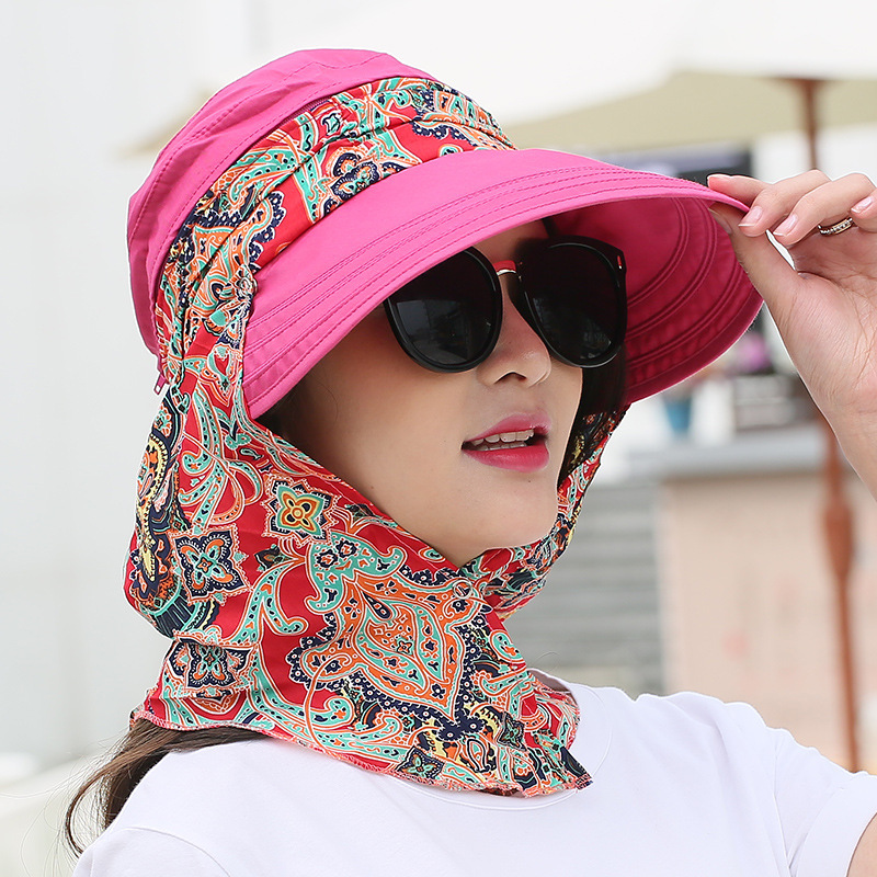 wide brim hat with scarf